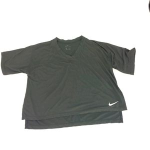 Nike V Neck Oversize Crop Black T Shirt H1